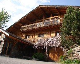 Chalet Le Pré Caro: 360m² de confort et de bien être: sauna, jacuzzi, hammam, salle de jeux, salle de cinéma; pour des vacances familiales ou des retrouvailles entre amis