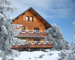 MOUNTAIN LODGE CHALET GRAND CONFORT AU PIED DES PISTES  6, 9 ou 15 pers