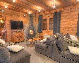 Chalet de grand standing 5 étoiles, 8 chambres, 8 SBD, sauna, véritable babyfoot de café