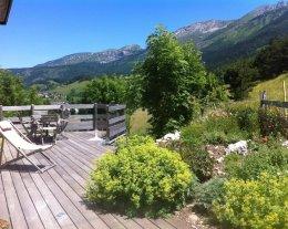 La Passerelle vue panoramique avec piscine.