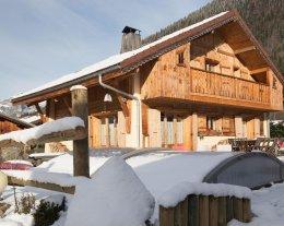 Chalet confortable avec spa de nage et sauna au pays du Mont Blanc