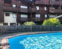 t3 type savoyard  avec piscine chauffée dans la résidence