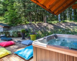 CHALET FIU AVEC JACUZZI PRIVATIF