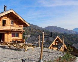 Chalet de standing neuf L'étoile Filante face aux pistes 15 personnes 6 chambres, 5 sdb, sauna