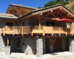 Le Prestige Authentique chalet savoyard en pierre et bois avec SPA sauna bar
