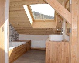 BARBE DE BOUC directement sur pistes ! Vue spectaculaire, sauna, ski room, décoration soignée.