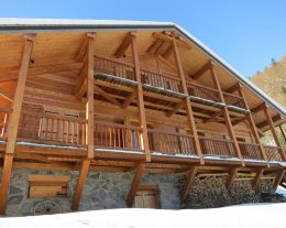 CHALET PROCHE MORZINE AVORIAZ GRANDE CAPACITE SPA SAUNA CHEMINEE