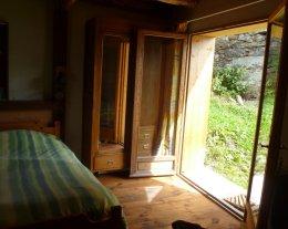 Chalet spacieux et confort au calme dans un hameau  à un 1/4 d'heure des pistes de ski des 3 Vallées !