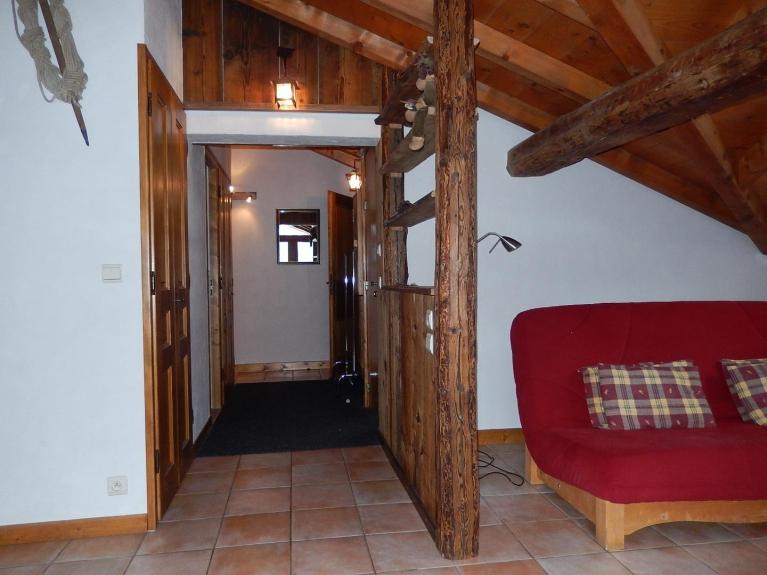 location appartement en chalet florentine tout le dernier tage 90 m2 chamonix 2783. Black Bedroom Furniture Sets. Home Design Ideas