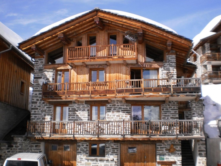 location appartement en chalet chalet epina la rosiere montvalezan 551 chalet. Black Bedroom Furniture Sets. Home Design Ideas