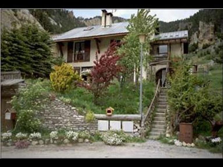 location appartement en chalet lou soureillaour ceillac 6110 chalet montagne