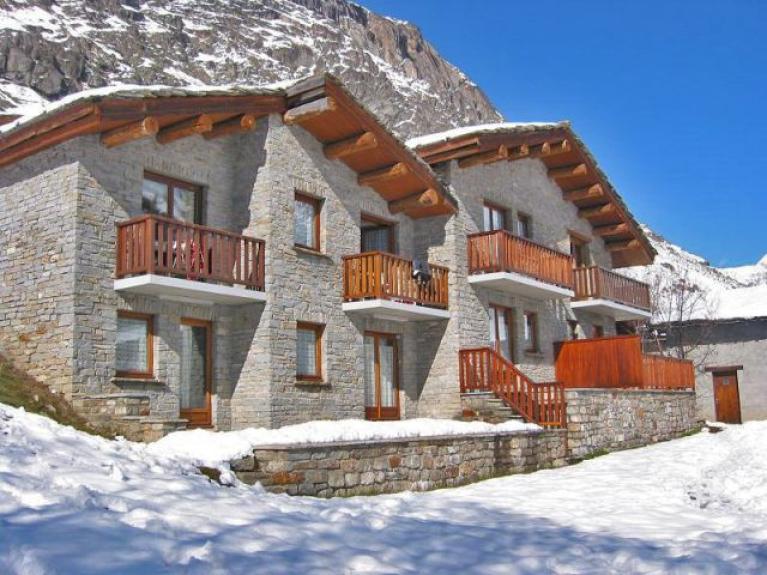location appartement en chalet chalet le merisier bonneval sur arc 7516 chalet montagne