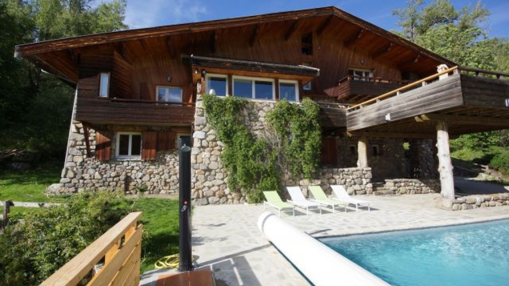 location chalet de luxe le grand chalet 420 m2 piscine d