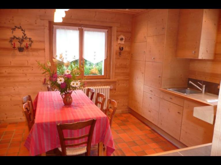 Location appartement en chalet chalet tante marie la for Tres belle cuisine equipee