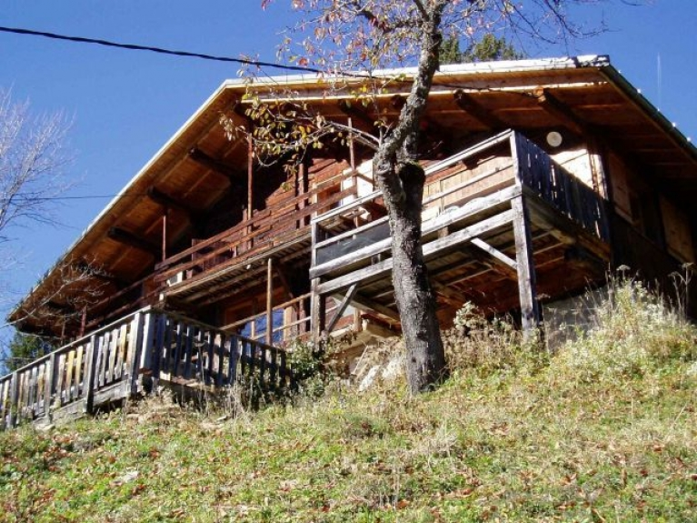 Location chalet individuel chalet les rosi res les saisies for Central jardin rosiere
