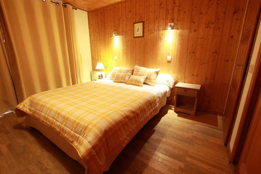 Rental Apartment in a chalet Appartement lumineux - centre Village ...