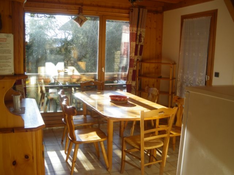 Location appartement en chalet chalet l 39 aberu crest voland for Salle a manger crest