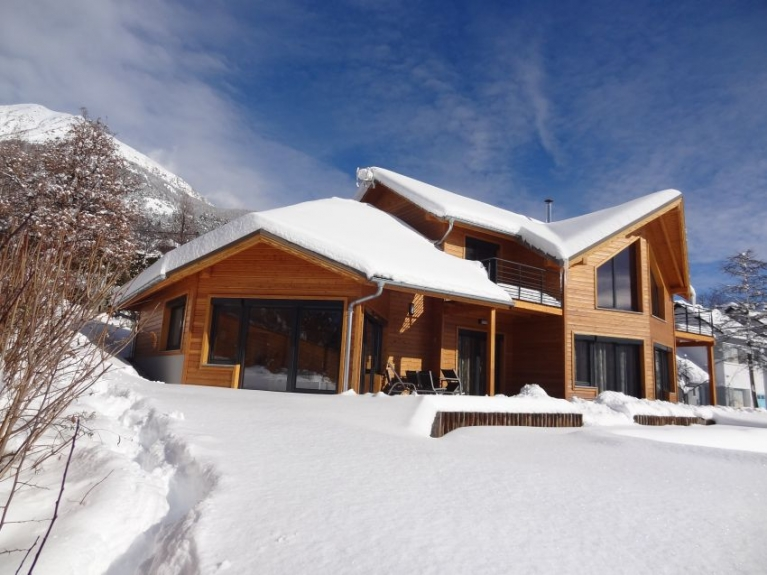 Location chalet de luxe chalet paulantoine reallon - Chalet de montagne luxe rkd architecte ...