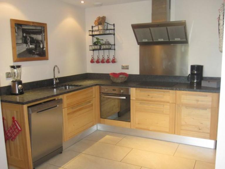 Location appartement en chalet le puisot appartement de for Cuisine chalet montagne