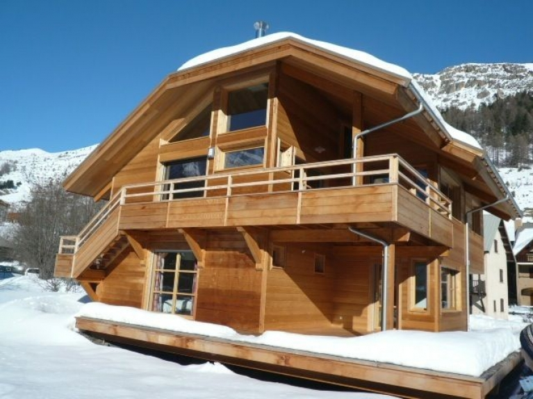 location chalet individuel serre chevalier chalet le grand area serre chevalier 1500 monetier