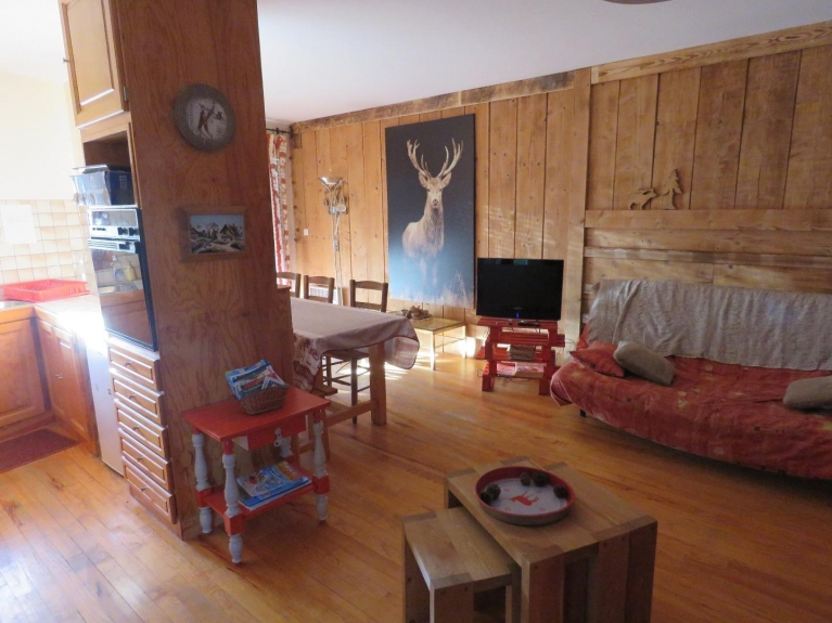 Rental Apartment in a chalet Les \