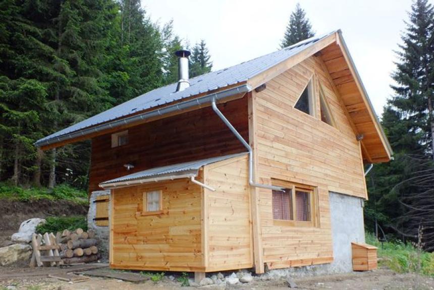location chalet isol alpage pistes for t l. Black Bedroom Furniture Sets. Home Design Ideas