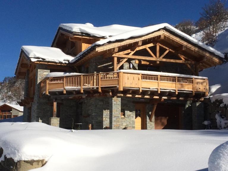 Location chalet individuel le prestige authentique chalet - Garage de la montagne la queue en brie ...