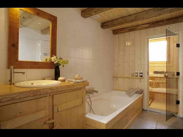 Location chalet isol alpage pistes for t saint for Agencement salle de bain 5m2